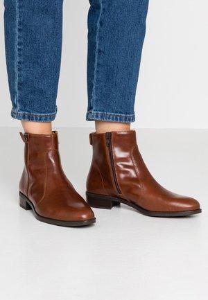 BRAS - Kotníková obuv - moka