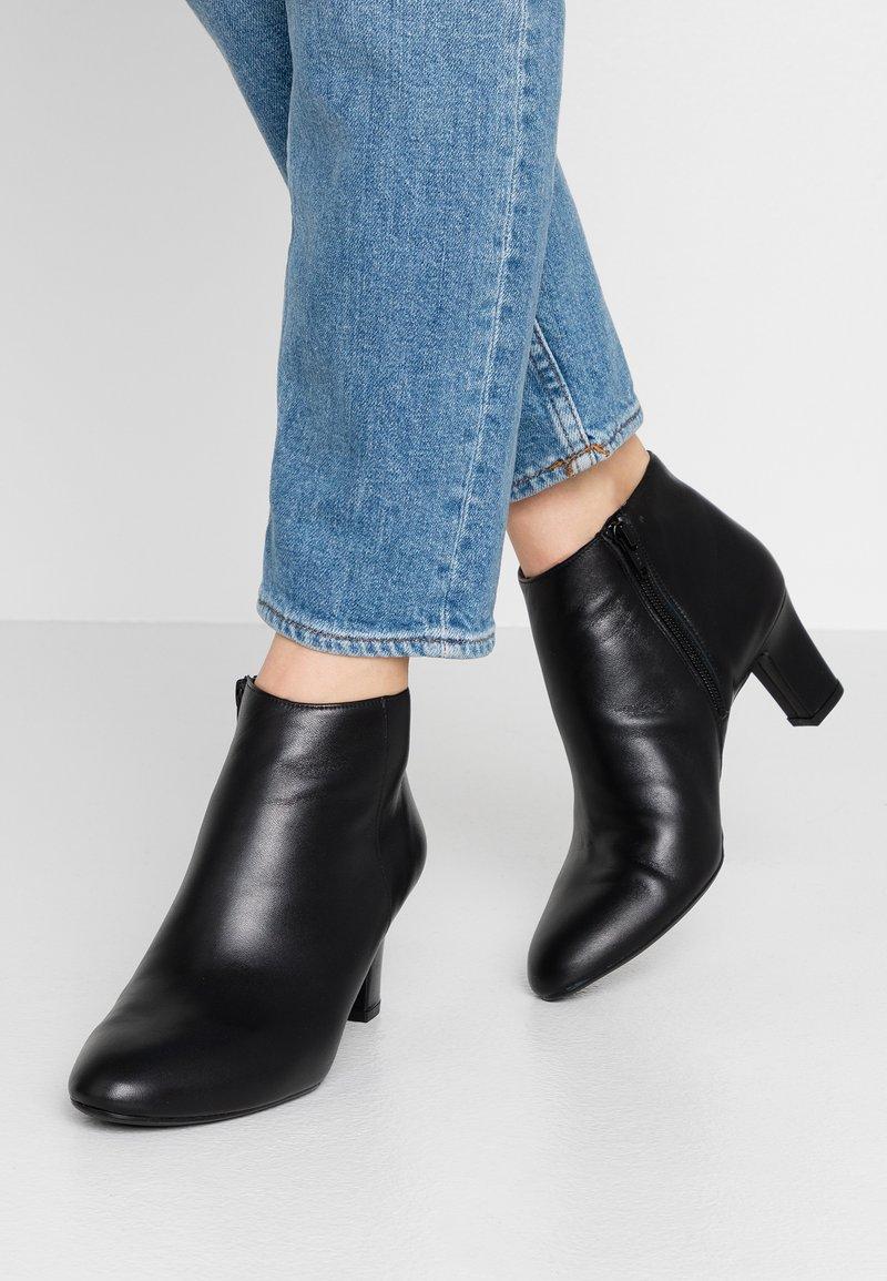 Unisa - Boots à talons - black