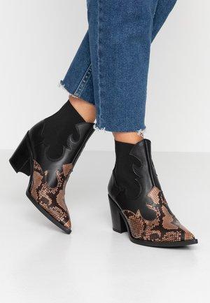 MISION - Cowboystøvletter - mocca