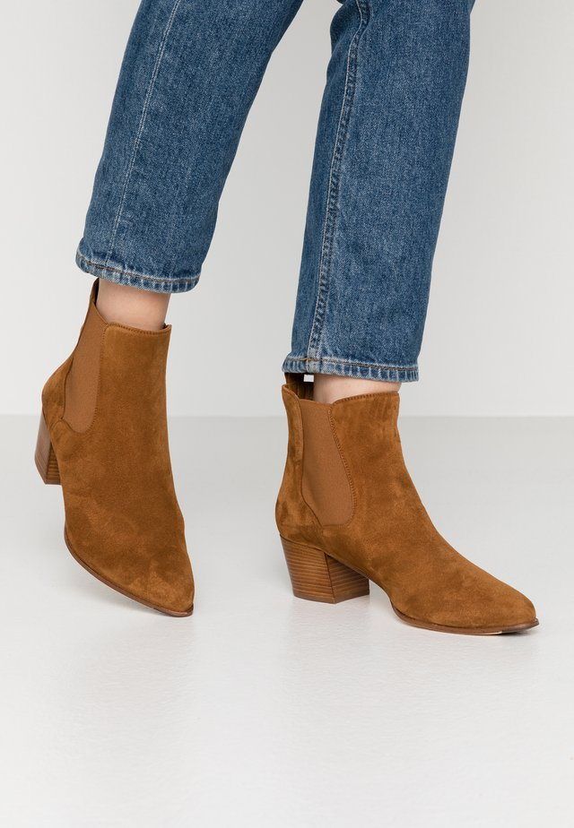 GREYSON - Ankle boots - argan
