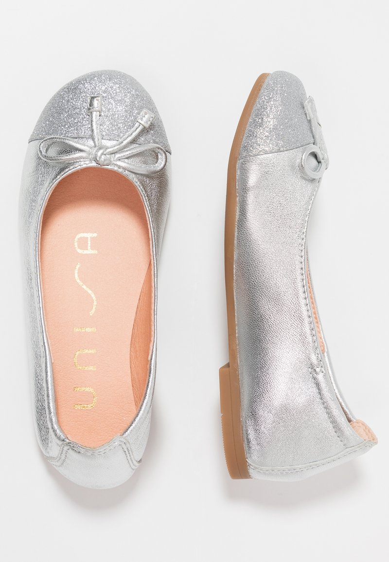 Unisa - DINO - Klassischer  Ballerina - light metal silver