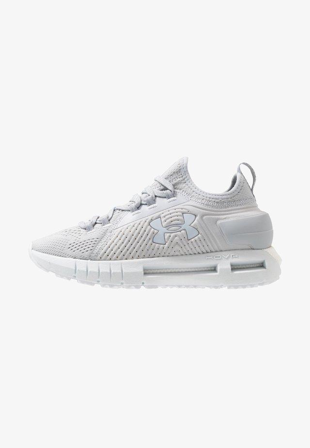 HOVR PHANTOM SE - Chaussures de running neutres - halo gray/mod gray/reflective