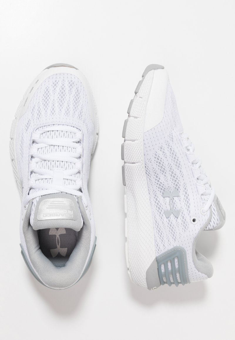 Under Armour - CHARGED ROGUE - Neutral running shoes - white/mod gray