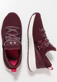 Under Armour - W BREATHE TRAINER - Sports shoes - dark maroon/metallic blush - 1