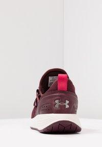 Under Armour - W BREATHE TRAINER - Sports shoes - dark maroon/metallic blush - 3
