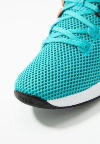 Under Armour - BREATHE TRAINER X NM - Obuwie treningowe - breathtaking blue/white/halo gray - 5