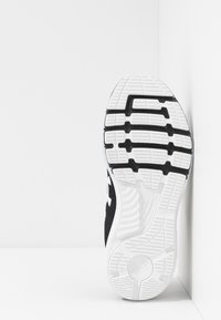 Under Armour - CHARGED BANDIT 5 - Neutral running shoes - black/white - 4
