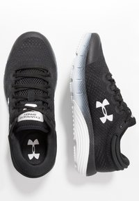 Under Armour - CHARGED BANDIT 5 - Neutral running shoes - black/white - 1