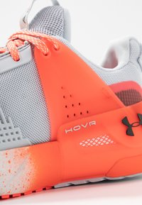 Under Armour - HOVR APEX - Sports shoes - halo gray/black - 5