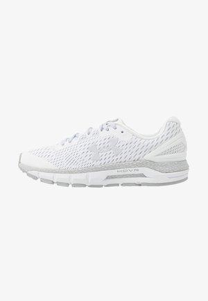 HOVR GUARDIAN 2 - Neutrální běžecké boty - white/mod gray/halo gray