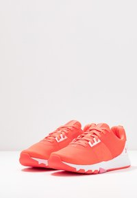 Under Armour - TRIBASE EDGE TRAINER - Sports shoes - beta/halo gray/lipstick - 2