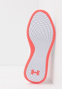 Under Armour - CHARGED AURORA - Sports shoes - white/beta - 4