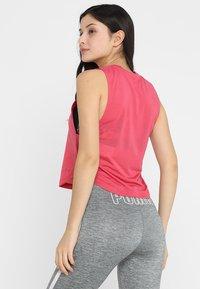 Under Armour - WHISPERLIGHT MUSCLE TANK - Funktionsshirt - impulse pink/tonal - 2