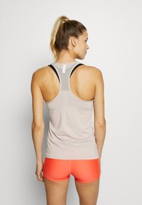 Under Armour - RACER TANK - Treningsskjorter - dash pink/metallic silver - 2