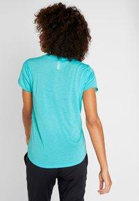 Under Armour - STREAKER - T-shirt basique - breathtaking blue/reflective - 2