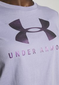 Under Armour - GRAPHIC SPORTSTYLE CLASSIC CREW - Printtipaita - level purple - 4