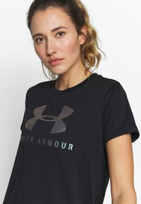 Under Armour - GRAPHIC SPORTSTYLE CLASSIC CREW - T-shirts med print - black/iridescent - 4
