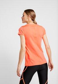 Under Armour - T-shirts - orange - 2