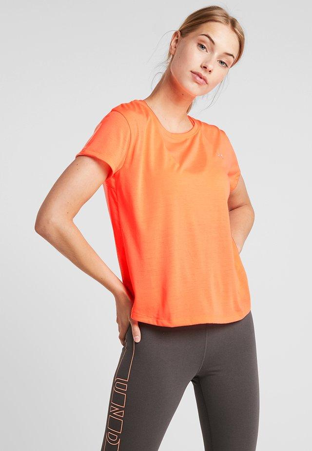 WHISPERLIGHT - T-shirt con stampa - peach plasma/metallic silver