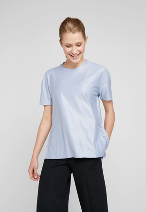 UNSTOPPABLE CIRE SIDE SLIT TUNIC - Print T-shirt - blue heights/downpour gray