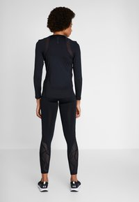 Under Armour - UA RUSH LS - Treningsskjorter - black - 2