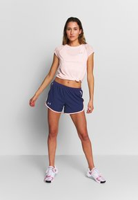 Under Armour - STREAKER SHIFT SHORT SLEEVE - Print T-shirt - peach frost/calla - 1
