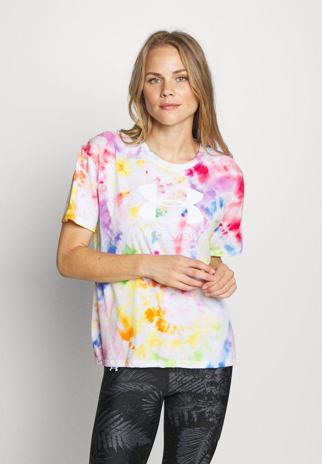 PRIDE TIE DYE GRAPHIC - Camiseta estampada - multicolor/white