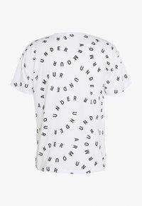 Under Armour - LOGO PRINT LIVE - Print T-shirt - white/black - 1