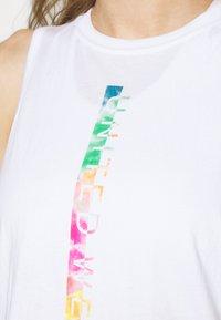 Under Armour - PRIDE FASHION GRAPHIC TANK - Sportshirt - white - 4
