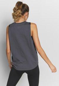 Under Armour - PROJECT ROCK ALOHA TANK - Sports shirt - pitch gray/black - 2