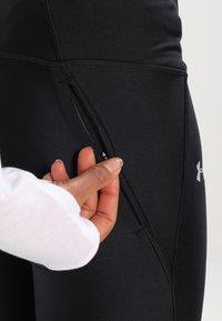 Under Armour - FLY FAST CAPRI - 3/4 sportovní kalhoty - black - 4