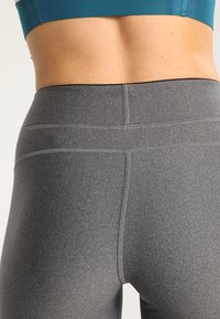 Under Armour - Trikoot - charcoal light heather - 4