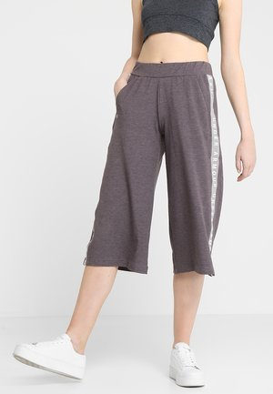 FEATHERWEIGHT CROP - 3/4 Sporthose - tetra gray/ash taupe