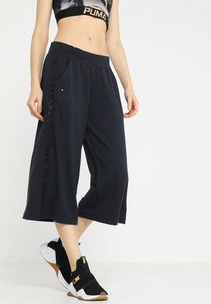 FEATHERWEIGHT CROP - 3/4 sportovní kalhoty - black/tonal