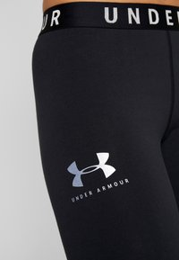 Under Armour - FAVORITE CROP GRAPHIC - Collants - black/onyx white - 6