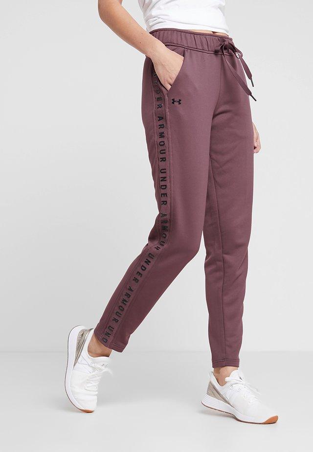 TECH PANT - Pantaloni sportivi - level purple/black