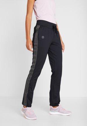 ATHLETE RECOVERY TRAVEL PANT - Tracksuit bottoms - black/jet gray