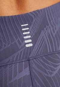 Under Armour - FLY FAST CROP - 3/4 sports trousers - blue ink - 7