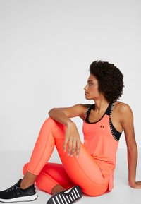 Under Armour - TONAL ANKLE CROP - Leggings - neon pink - 3