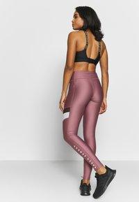 Under Armour - SPORT LEGGINGS - Punčochy - hushed pink/white/metallic silver - 2