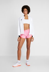 Under Armour - PLAY UP SHORT - Sports shorts - lipstick - 1