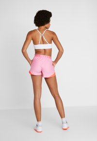 Under Armour - PLAY UP SHORT - Sports shorts - lipstick - 2