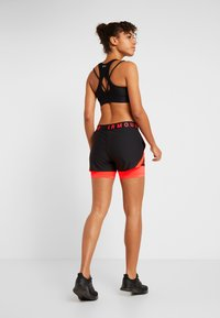 Under Armour - PLAY UP SHORTS - Pantalón corto de deporte - black