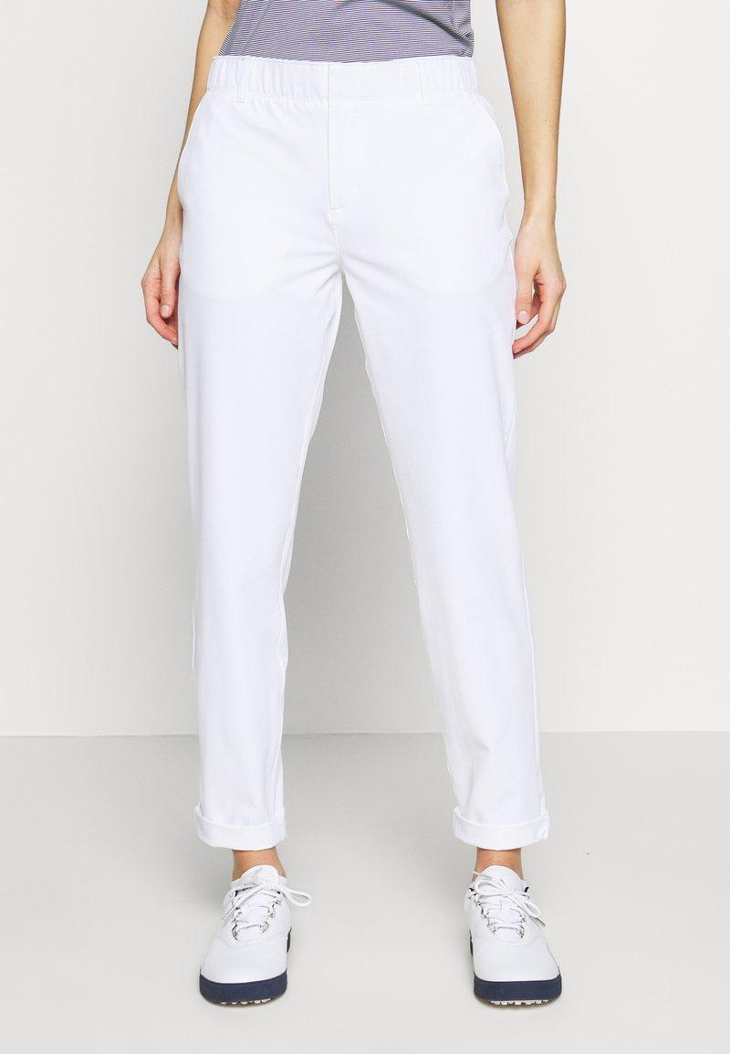 Under Armour - LINKS PANT - Kalhoty - white / mod gray