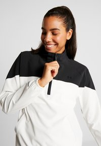 Under Armour - WOVEN ANORAK - Träningsjacka - onyx white/black - 3