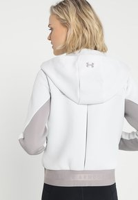 Under Armour - MOVE - Hoodie met rits - white - 2