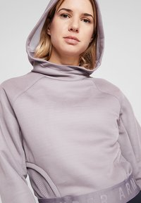 Under Armour - UNSTOPPABLE MOVE LIGHT CROP HOOD - Hoodie - purple prime - 3
