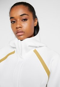 Under Armour - MISTY SIGNATURE SPACER FULL ZIP - Hoodie met rits - onyx white/palm green - 4