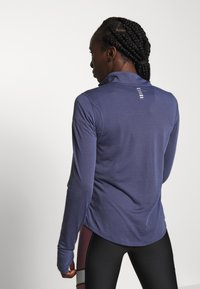 Under Armour - STREAKER HALF ZIP - Sports shirt - blue ink/reflective - 2