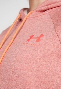 Under Armour - RIVAL LOGO HOODIE NOVELTY - Jersey con capucha - fractal pink medium heather/peach plasma - 4